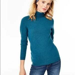 Cashmere Charter Club turtle neck sweater